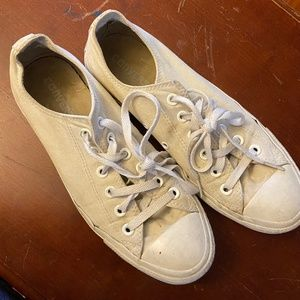 Converse White well loved Size 9